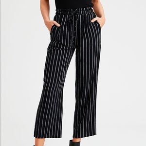 NEW American Eagle Paperbag Pant